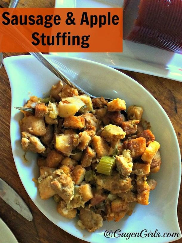 The heart-warming, earthy flavors of fall are sure to be a crowd-pleaser this holiday season favorite Sausage and Apple Stuffing recipe.