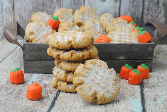 Pumpkin and Peanut Butter...yes please! It's still pumpkin season in our house, so today we are sharing a Pumpkin Spice Peanut Butter Cookie recipe.