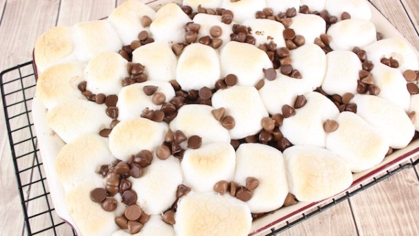Whether you are looking for an easy dump cake recipe, s'mores cobbler, or chocolate s'mores cake, the S'mores Dump Cake recipe fits the bill.