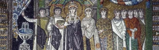 Mosaïque représentant Théodora entourée des ses dames et de deux dignitaires de l'Empire (Basillique Saint-Viatal, Ravenne, Italie)