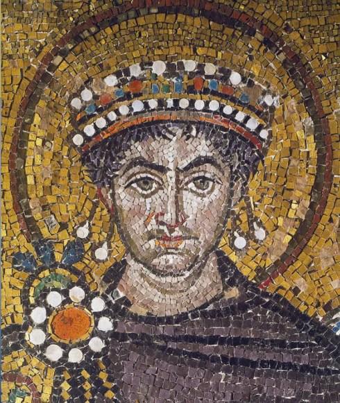 Détail d'une mosaïque représentant Justinien (Basillique Saint-Viatal, Ravenne, Italie)