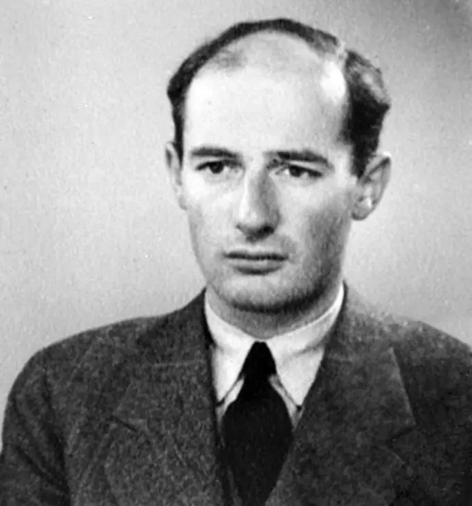 Photo de Raoul Wallenberg sur son passeport datant de juin 1944