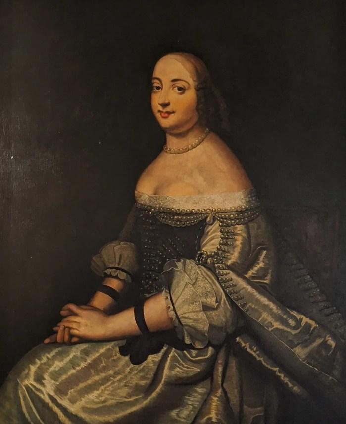 Copie d'un portrait de Marie de Hautefort par l'École française du XVIIe siècle (la copie est au château, l'original dans la famille de Bastard)