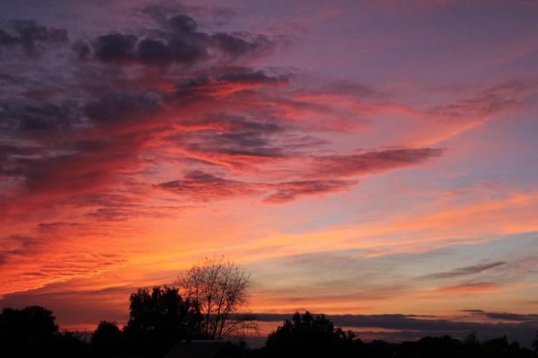 couleurs du ciel et des nuages au crépuscule
