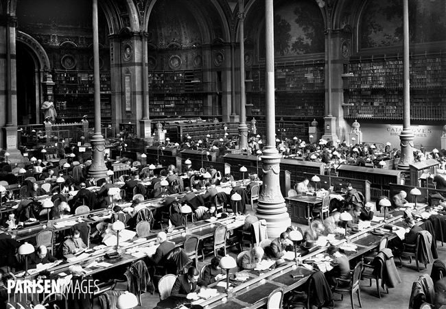 Bibliothèque nationale. Salle de lecture du département des Imprimés (Henri Labrouste architecte, 1862-1866). Paris, 1938.