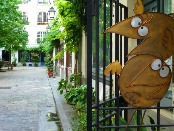Rue du Faubourg Saint-Antoine, cour des Shadoks