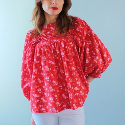 Patron de couture blouse rouge nekkar