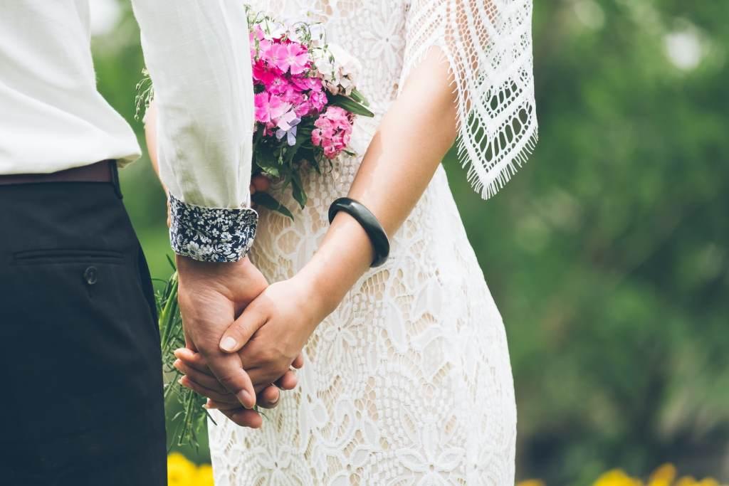 écrire sa cérémonie laïque de mariage