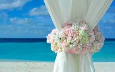 Quelle différence entre mariage civil et mariage laïque?