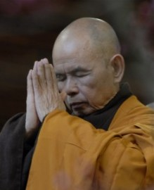 thich nhat hanh - sanghati ceremony