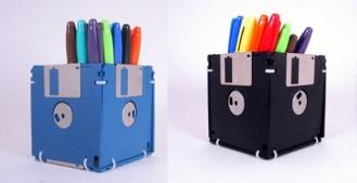 http://briquea.blogspot.com.es/2012/10/21-maneras-de-reciclar-un-disket.html