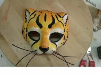 http://www.imagui.com/a/mascaras-de-escayola-pintadas-Trepok98b
