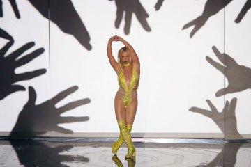 Britney Spears. Make Me. G- Eazy. MTV. Video Music Awards. Cúsica Plus