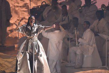 Rihanna. Vanguard Award. VMAs. MTV. Cúsica Plus