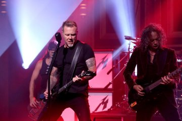Metallica. The Tonight Show. Jimmy Fallon. Moth Into Flane. Cúsica Plus