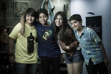 """Luar presenta el videoclip para """"Al azar"""". Video nuevo. Cúsica Plus"""