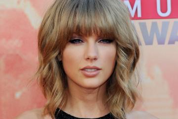 Taylor Swift. AT&T. Contrato. Posible nueva música. Cúsica Plus
