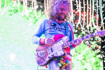 The Flaming Lips. The Castle. Nuevo Tema. Video nuevo. Oczy Mlody. Nuevo disco. Cúsica Plus