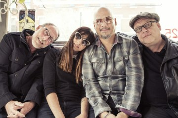 "Pixies estrena video para su reciente sencillo ""Classic Masher"". Cúsica Plus"