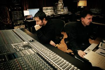 Ya salió 'Not The Actual Events' el esperado EP de Nine Inch Nails con colaboraciones de Dave Grohl y más. Cusica Plus