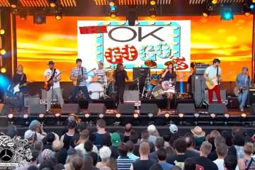 Mira el show de Ok Go junto a The Go-Go's. Cusica plus. Cusica plus