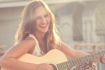 """Oriana Lucas publica su sencillo """"Es el momento"""". Cusica plus"""