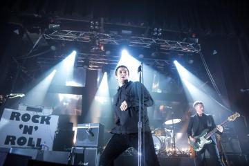 Liam Gallagher debuta como solista en la televisión de Estados Unidos. Cusica Plus.