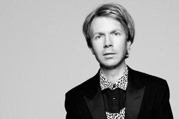 Beck confirma que 'Colors' será el título de su nuevo disco. Cusica Plus.