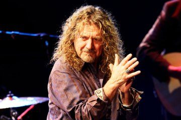 """Bones of Saints"" el nuevo sencillo de Robert Plant. Cusica plus."