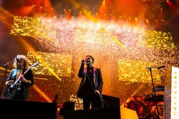 "The Killers le rinde tributo a Fats Domino con ""Ain't That A Shame"". Cusica Plus."