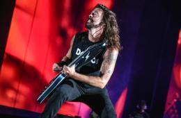 Los Foo Fighters, Joe Perry y Liam Gallagher se juntan para versionar a The Beatles. cusica plus.
