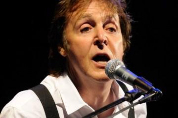 Paul McCartney estrena un cortometraje para que comamos menos carne. cusic plus.