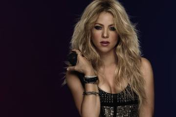 Shakira se ve obligada a postergar su gira europea por hemorragia en las cuerdas vocales. Cusica Plus.