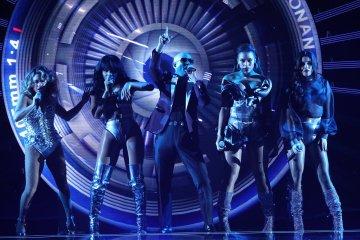 """Pitbull y las Fifth Harmony nos llevan hasta Asia con """"Por Favor"""". Cusica Plus."""