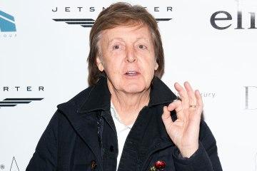 "Muse y Paul McCartney se unen para tocar ""Helter Skelter"". Cusica Plus."