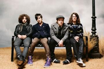 """Fall Out Boy presenta """"Hold Me Tight Or Don't"""" en el programa de James Corden. Cusica Plus."""