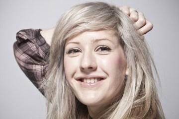 """Ellie Goulding nos muestra su lado folk versionando """"Vincent"""". Cusica Plus."""