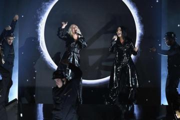 """Christina Aguilera y Demi Lovato lanzan el video de """"Fall In Line"""". Cusica plus."""