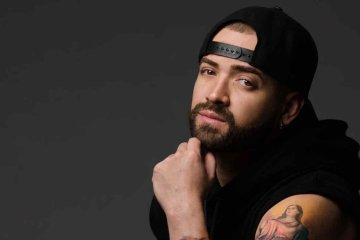 Nacho trabaja con Alexis y Fido para su tributo al reggaeton. Cusica Plus.