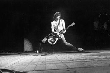 Steve Jones, Billie Joe Armstrong y Duff McKagan se unieron para un tributo a Johnny Ramone. Cusica Plus.
