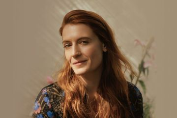 "Florence and the Machine versionó ""Cornflake Girl"" de Tori Amos'. Cusica Plus."