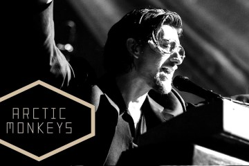 Arctic Monkeys anuncia nuevo sencillo, y publica un mini documental de la grabación de su último disco. Cusica Plus.