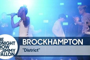 """Ve como Brockhampton cantó """"District"""" en el show de Jimmy Fallon. Cusica Plus."""