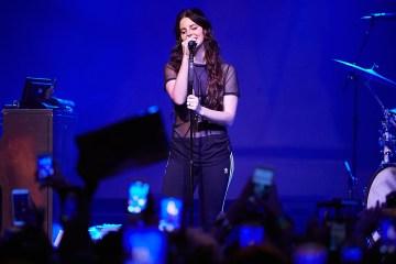 Lana Del Rey estrena dos nuevos temas en vivo. Cusica Plus.