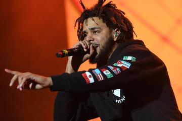 "J. Cole estrena su nuevo tema ""Middle Child"". Cusica Plus."
