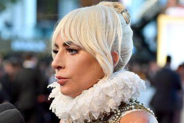 """Lady Gaga y Glenn Close comparten premio de """"Mejor Actriz"""" en los Critics Choice Awards. Cusica Plus."""