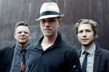 """Interpol anuncia un nuevo EP y comparte el tema """"The Weekend"""". Cusica Plus."""