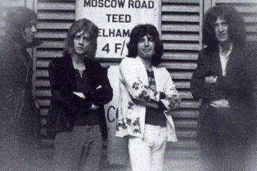 Murió Mike Grose, el primer bajista de Queen. Cusica Plus.