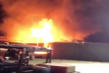 Duchas del campamento en el Coachella sufrió fuerte incendio. Cusica Plus.