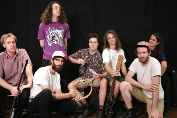 "King Gizzard & The Lizard Wizard saca su lado más pesado en ""Self-Immolate"" . Cusica Plus."